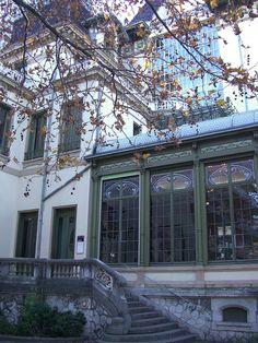 Institut Lumière ou Château Lumière (1902) – 25 rue du Premier film, Lyon (69) by Yvette Gauthier, via Flickr