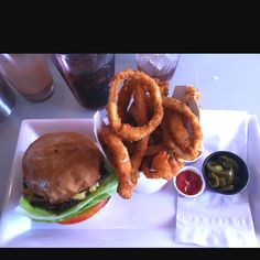 The Burger Lounge on Coronado Island.