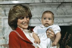 Britain's Prince William, the son of Prince Charles and Princess Diana, the Prince and Princess of Wales, with his mother during a photo shoot at Kensington Palace in London on Dec. Princess Diana Family, Prince And Princess, Princess Charlotte, Princess Of Wales, Real Princess, Old Prince, Young Prince, Charles And Diana, Prince William And Kate