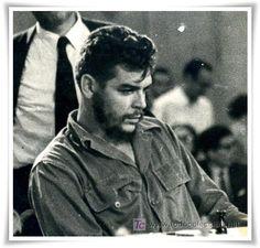 Comandante Ernesto Che Guevara - the Argentine-Cuban guerrilla fighter, revolutionary leader,. Karl Marx, Che Guevara Photos, Che Guevara T Shirt, Celebridades Fashion, Ernesto Che Guevara, Dragon Ball, Pop Art Posters, Fidel Castro, Guerrilla