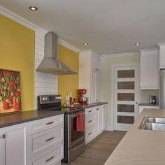armoires de cuisine en melamine polyester de style contemporain avec comptoir de stratifie
