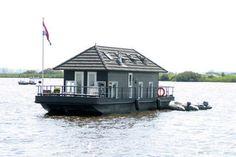 Nostalgisch Varend Vakantiehuis op de Nederlandse binnenwateren