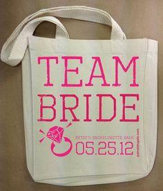EVJF la journée ou la soirée: sac avec plein d'accessoires, de cadeaux, de surprises pour chaque filles!
