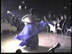 Turkish Belly dancer,Nesrin Topkapi ,first belly dancer on Turkish Tv.. One of her dance on the dance venue!