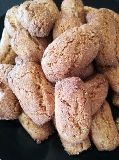 Questi biscotti per colazione con farina di farro sono facilissimi a fare, velocissimi ma nache buonissimi, crocanti e perfetti per l'inzzupo.