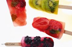 Erdbeer-Heidelbeer-Minze-Eis