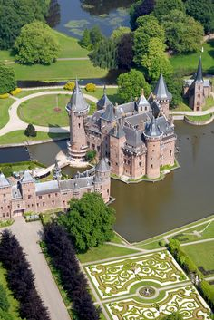 Dutch castle, Utrecht, The Netherlands  *-*.
