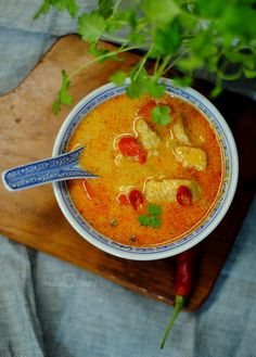 tom yum z kurczakiem Asian Recipes, Ethnic Recipes, Yams, Thai Red Curry, Soup Recipes, Meal Prep, Smoothies, Food And Drink, Chicken