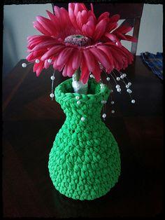 #Crochet t-shirt yarn vase free pattern from Abandoned Llama
