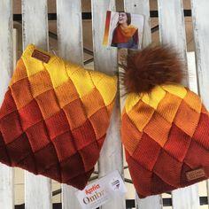 Комплект ⛔️ПРОДАН из пряжи Katia Ombré #katiayarns из @salon_ili_ili Одного набора хватило на комплект точь в точь 100% меринос экстрафайн, внутри подклад из другой тонкой мериносовой шерсти оранжевого цвета в цвет. комплект на весну/осень максимум до -5, так как нитка тонкая, вот такая красота не хуже чем предполагаемый производителем бактус! #entrelac #мой_выбор_ili_ili #ili_ili_style #вязание #вяжу #свяжу #свяжуназаказ #вяжуназаказ #knitting_inspiration…