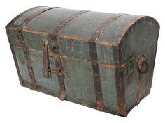 Old case - trunk - box - vonliving.nl