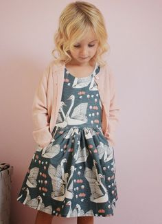 Beautiful swan dress. Van Jansen: Herfstzwanen #designer #kids #fashion