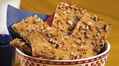 Turn ordinary graham crackers into an extraordinary treat.  The delicious praline topping adds a sweet pecan crunch.