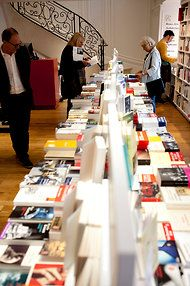 The reading culture of France: http://www.nytimes.com/2012/06/21/books/french-bookstores-are-still-prospering.html?_r=2