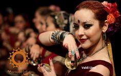 Sobre Valdi Lima: iniciou seus estudos na dança aos 33 anos, como terapia e diversão. Começou estudando ITS e Tribal Fusion com Rebeca Piñeiro (...) Como integrante de um extinto grupo de ITS, participou de grandes eventos como Gothla Brazil RH, Caravana Tribal Nordeste PB, Shamans Fest Rio Claro, Campo das Tribos SP, Mundo Gaia SP, Virada Cultural SP, entre outros(...) Participou de um workshop com Morgana em Madri e integrou o ATS Flash Mob World Wide 2012 em Londres, dançando ao lado de…