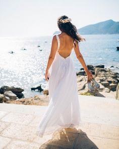 Our lovely bride #mallorca #hochzeitsplaner #weddingplaner #luxuryweddingplanner #hochzeitsplanermallorca #bridalhair #bridalflowers #brautstrauss #bridalbouquet #hochzeit #wedding pic credit @dfpowell