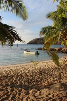 Sunset beach on Barefoot Island, Yasawa Islands, Fiji  Manta rays and Fiji Day on Barefoot Island via The World on my Necklace