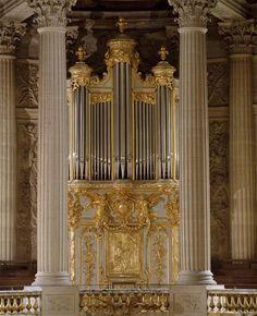   Vue du triforium ; orgue démonté de la cathédrale d'Amiens   Images d'Art