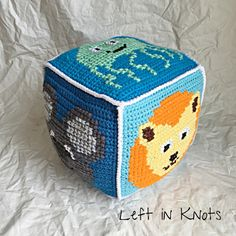 Kubus play toy crochet Cross stitch