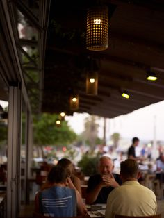 Sopars a la terrassa de Lasal del Varador.