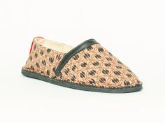 African Handmade Shoes Espadrilles TUDA (venda: giraffe) The giraffe is the tallest animal in the world. No matter what your height really is. It matters how high you feel.