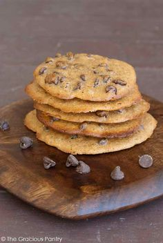 Clean Eating Spelt Chocolate Chip Cookies are made with ancient grains and good-for-you ingredients! Clean Eating Recipes, Clean Eating Snacks, Healthy Eating, Healthy Treats, Healthy Desserts, Healthy Food, Brownie Recipes, Cookie Recipes, Recipes