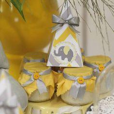 Olha como ficou um verdadeiro encanto este Chá de Bebê com o tema elefantinho. Decoração Ateluê Lindas ideias e muita inspiração! Bjs, Fabiola Tele...