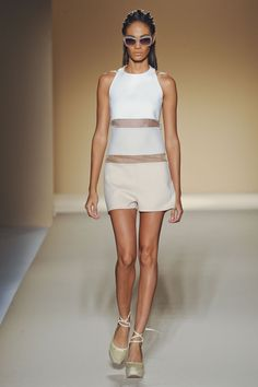 Max Mara Spring 2012 Ready-to-Wear - Collection