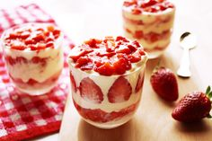 This Vegan Lemon Mousse Parfait will make a perfect plant based gluten free Easter or Passover recipe using aquafaba! Diabetic Snacks, Healthy Snacks For Diabetics, Healthy Dessert Recipes, Vegan Desserts, Parfait Desserts, Parfait Recipes, Strawberry Desserts, Passover Desserts, Passover Recipes