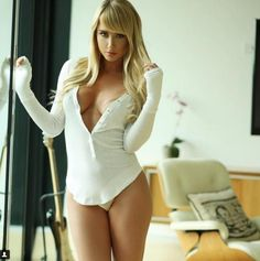 Sara Underwood's Instagram Needs to Be Seen by All Men - Likes