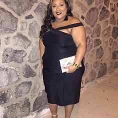 """Asos curve black dress size 20... Asos curve black dress size 20 very stretchy yet form fitting very comfortable and cute ...worn once ! Also I am 5""""6 ... ASOS Dresses Midi"""