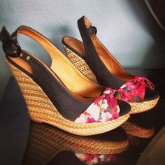 Spring time! Bring out the #wedges #floral #wicker... | Wicker Blog  wickerparadise.com