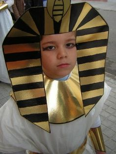 disfraz escolar de egipcio (3) Egyptian Costume Kids, Egyptian Crafts, Egyptian Art, Fancy Dress Competition, Prince Costume, World Thinking Day, Baby Halloween Costumes, Stories For Kids, Art Classroom