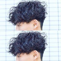 並木一樹 ショートヘア ボブヘアが得意です♪さんはInstagramを利用しています:「お客様のStyle ・ ツイストランダムスパイラルパーマ🌿 ・ くしゃくしゃっとラフなけだるい感じに🌿 パーマ仕上げはルシケアミルク3🙌🏻✨ オシャレなメンズヘアなら並木まで😆👍🏻🌿…」 Perm Hair Men, Curly Hair Men, Mens Perm, Male Haircuts Curly, Haircuts For Men, Permed Hairstyles, Boy Hairstyles, Curling Thick Hair, Medium Hair Styles