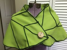 #Tinkerbell leaf capelet from @FayeTalityCouture.
