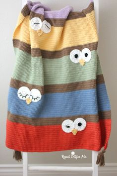 Crochet Owl Eyes Blanket - Repeat Crafter Me Crochet Afghans, Crochet Owl Blanket Pattern, Crochet Granny Square Afghan, Crochet Quilt, Baby Knitting Patterns, Baby Blanket Crochet, Crochet Baby, Free Crochet, Knit Crochet