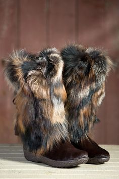 Women's Tecnica Yaghi III Cowhide Boots with Fox Fur Trim by Overland Sheepskin Co. (style 54911)