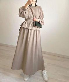 Hijab Fashion Summer, Modest Fashion Hijab, Modern Hijab Fashion, Modesty Fashion, Hijab Fashion Inspiration, Muslim Fashion, Fashion Outfits, Modest Outfits Muslim, Fashion Muslimah