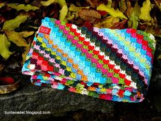 Video tutorial (in German) of how to make this great pattern   Bunte Nadel - Blog
