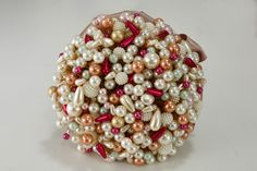 Buque de pérolas para Bodas de Coral - 35 anos. #buque #buquedeperolas #coral #perolas #casamento #wedding #diy #facavcmesmo #euqfiz