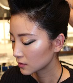 The 32 Best Backstage Beauty Moments From NYFW via @ByrdieBeautyUK