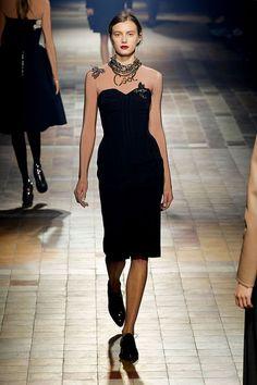 Lanvin - Ready-to-Wear - Fall-winter 2013-2014  http://en.flip-zone.com/fashion/ready-to-wear/fashion-houses-42/lanvin