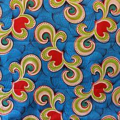 Découvrez notre gamme de tissus wax africain 100% coton. Ces tissus sont disponibles au magasin de Bruxelles et sur notre shop online