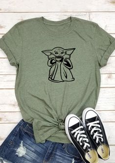 Star Wars Yoda O-Neck T-Shirt Tee - Army Green Star Wars Yoda O-Neck T-Shirt Tee - Army Green Bellelily Fashion bellelilyfashion T-shrits Star Wars Yoda O-Neck T-Shirt. Bellelily Fashion Star Wars Yoda O-Neck T-Shirt. Mode Outfits, Casual Outfits, Fashion Outfits, Girl Outfits, Unique Outfits, Skater Outfits, Disney Fashion, Fashion Boots, Disney Shirts