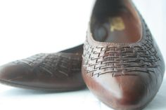 Vintage Leather Flats Size 10 Huaraches Womens Woven by Blissfolk