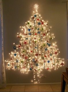 Easy Ideas for Handmade Christmas Decor. Spread holiday cheer with these Wall Christmas Tree - Alternative Christmas Tree Ideas and other holiday ideas. Unusual Christmas Trees, Wall Christmas Tree, Best Christmas Lights, Alternative Christmas Tree, Christmas Holidays, Christmas Crafts, Celebrating Christmas, Modern Christmas, Outdoor Christmas
