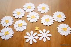 Frühling-Spring-Ostern-Fensterbild-Fensterdeko-Fenster-Dekoration-Pastell-Blumen-Stanzer-einfach-kleben-Cardstock-Papier-Gänseblümchen