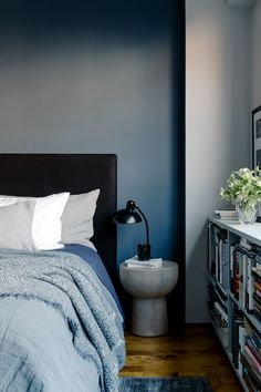 Cosy Home Interior Colin King.Cosy Home Interior Colin King Drawing Room Blue, One Bedroom Apartment, Master Bedroom Design, Master Bedrooms, Architectural Digest, Cheap Home Decor, Bedroom Decor, Bedroom Signs, Decorating Bedrooms