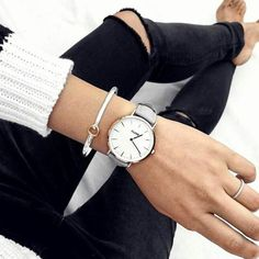 Très chique in black and white! #CLUSE #watch #black #white #colours #inspiration #style #weekend #love
