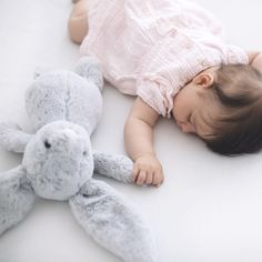 My little bunny 🐰 Newborn Pictures, Baby Pictures, Beautiful Children, Beautiful Babies, Little Babies, Cute Babies, Lifestyle Fotografie, Foto Baby, Baby Family